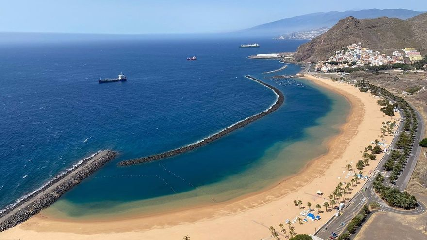 Reabiertos los estacionamientos de las playas de Las Teresitas y Las Gaviotas