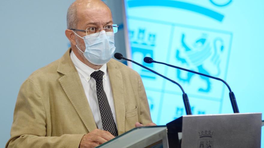 """Castilla y León no toma más medidas restrictivas por """"inseguridad jurídica"""""""