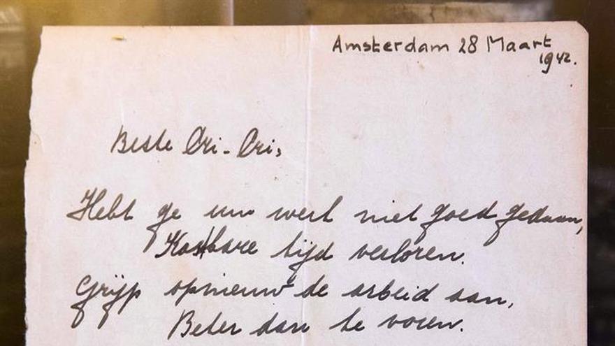Subastan un poema de Ana Frank en Holanda por 140.000 euros