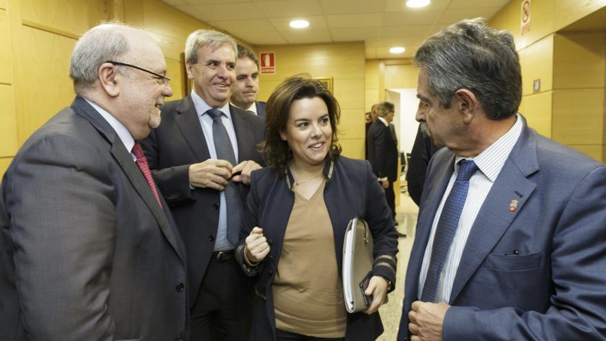 Soraya Sáenz de Santamaría durante su visita a Cantabria junto a Revilla, Sota y De la Sierra. | RAÚL LUCIO