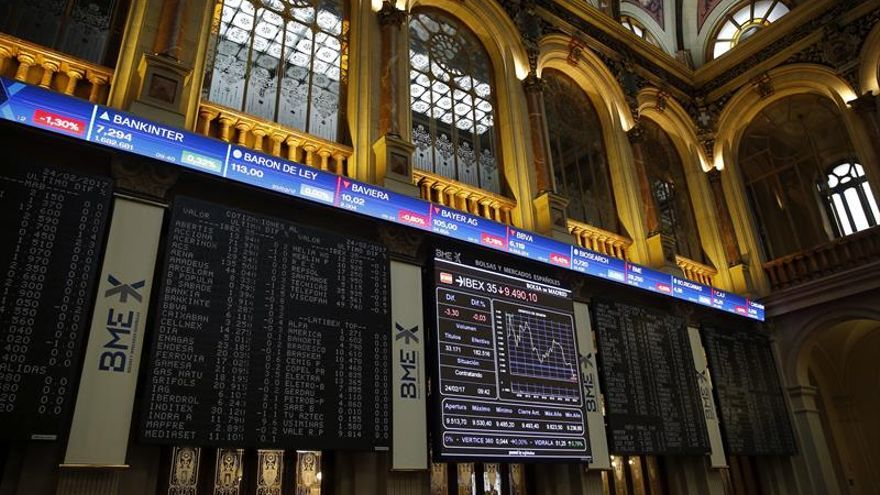 La Bolsa española pierde un 0,14 % tras la apertura por los grandes valores