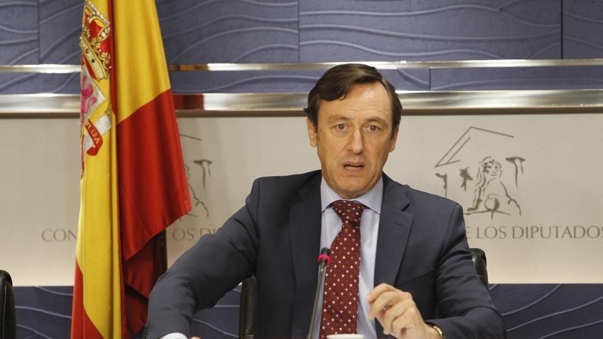 """El PP se alegra de que Iglesias y Rivera pisen el Congreso y avisa de que ahora """"se van a tener que retratar"""""""