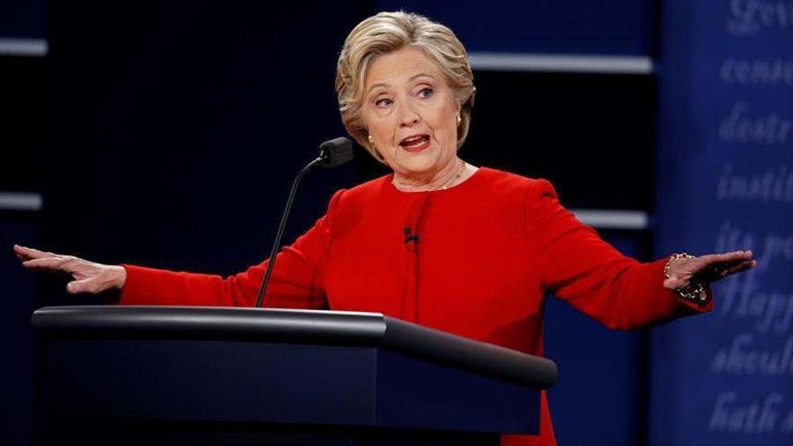 Wikileaks filtra las transcripciones de los discursos pagados de Clinton