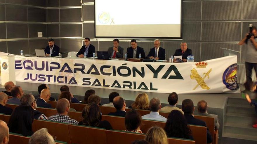 Policías y guardias civiles reclaman en Madrid el mismo sueldo que otros cuerpos