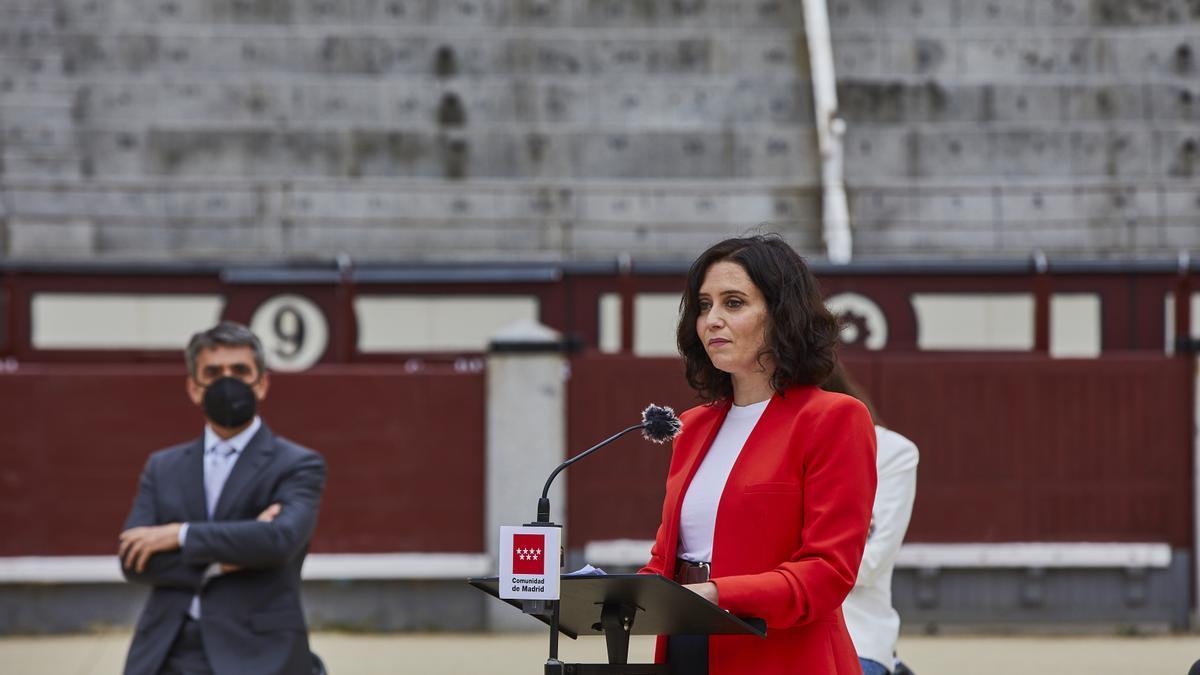 La presidenta de la Comunidad de Madrid, Isabel Díaz Ayuso, en la plaza de toros de Las Ventas.