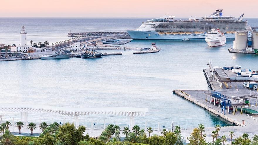 El puerto de Málaga acogerá 290 escalas de cruceros en este año