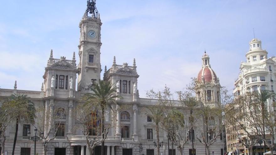 Fachada principal del Ayuntamiento de València