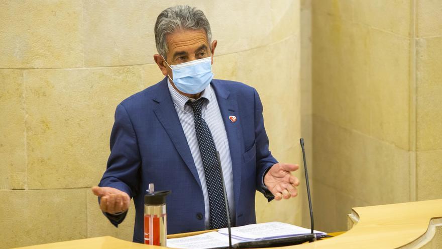 El Presidente De Cantabria, Miguel Ángel Revilla, En El Debate Sobre El Estado De La Región