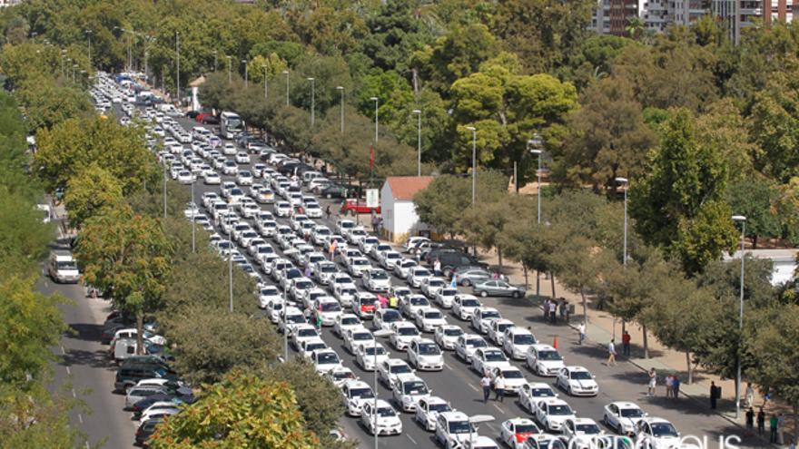 Manifestación de taxistas en Córdoba | MADERO CUBERO