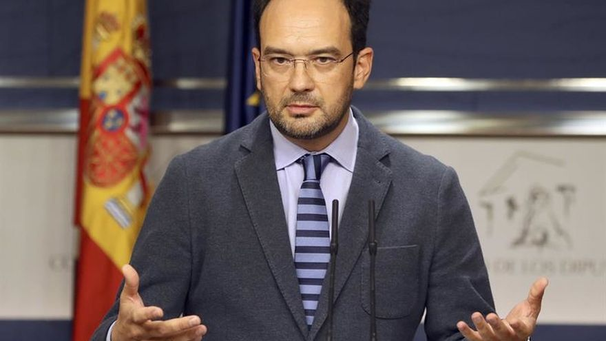 El PSOE exige un déficit del 0,6 % para las comunidades en 2017 para apoyar el techo de gasto