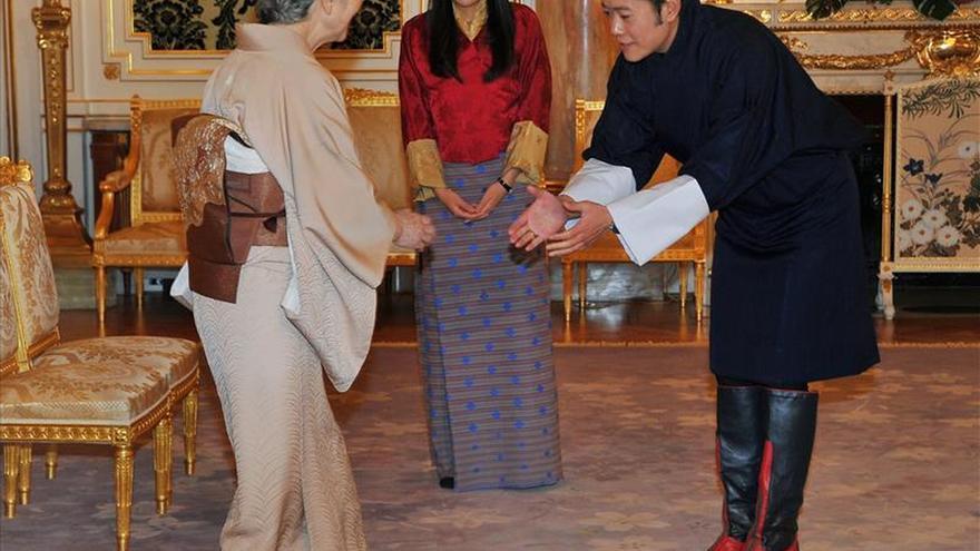 Nace el heredero al trono y primer hijo de los reyes de Bután