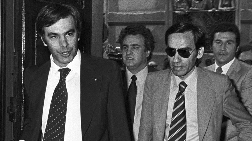 Felipe González y Alfonso Guerra, en la constitución de las Cortes, el 13 de julio de 1977.