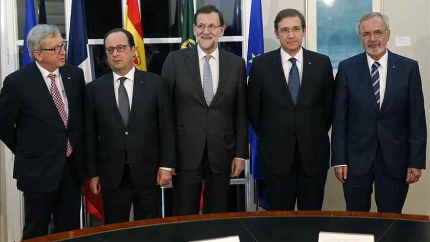 """Juncker asegura que no hay un """"plan diabólico"""" de España y Portugal contra Grecia"""