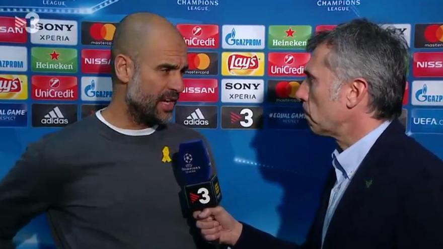 Guardiola atendiendo a TV3 tras el Basilea-Manchester City