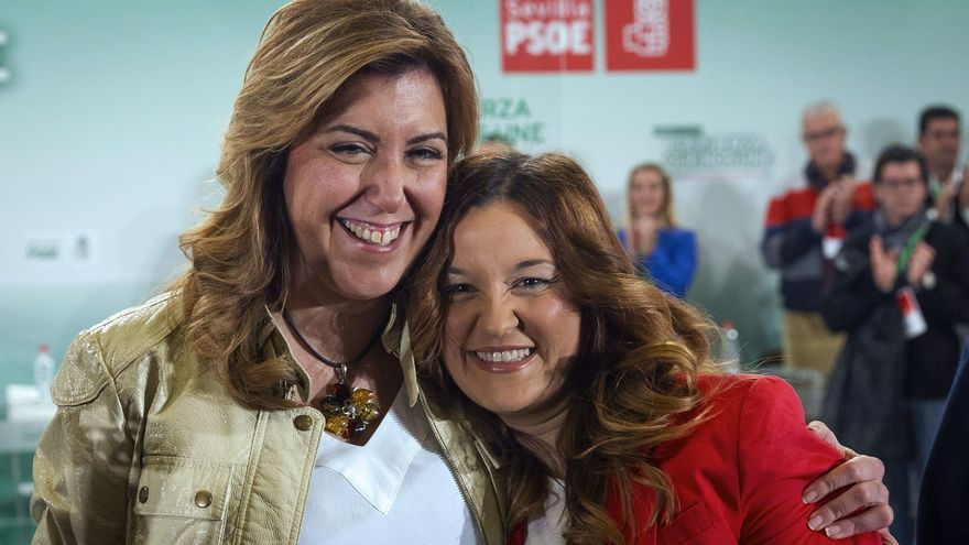 Susana Díaz abraza a Verónica Pérez tras ser elegida como secretaria general del PSOE de Sevilla, en noviembre de 2013.