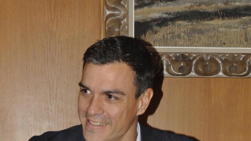 """Sánchez afirma que Rajoy reacciona """"tarde y mal"""" a la consulta catalana sin plantear una """"alternativa"""""""