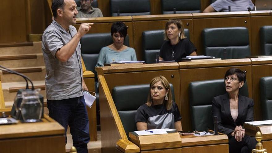Expulsado diputado de EH Bildu tras una pregunta sobre euskera y Ertzaintza