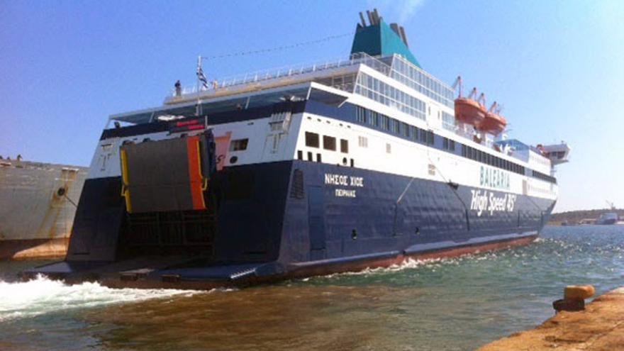 El ferry Nissos Chios, operado por Balearia, que hace la ruta Valencia-Argelia