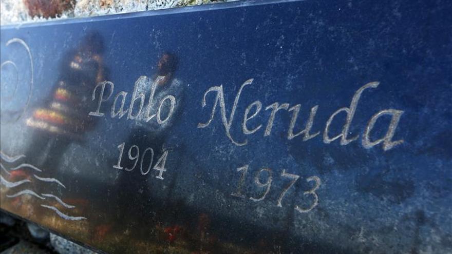 Presentan la primera traducción oficial al chino de las memorias de Neruda