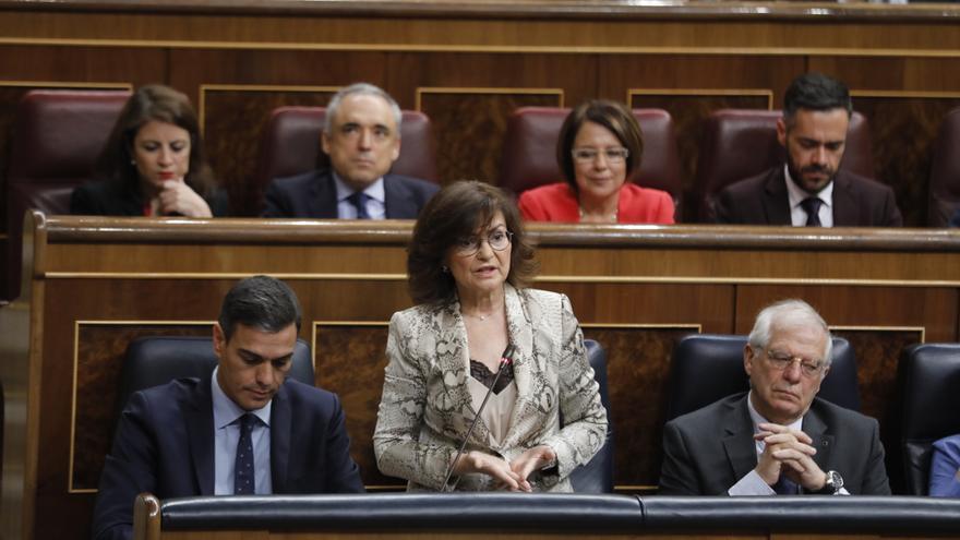 """El PSOE denuncia """"insultos machistas"""" del PP a Carmen Calvo en el Pleno del Congreso y exige medidas a Casado"""