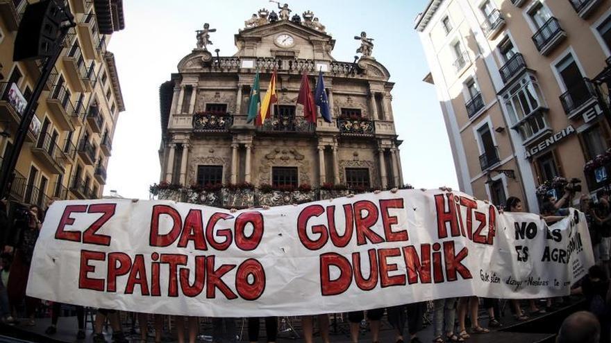 """El grito de """"no es abuso, es violación"""" vuelve a las calles de Pamplona este jueves."""