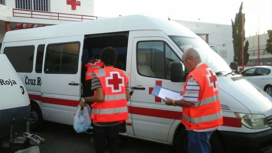 Efectivos de Cruz Roja en Tenerife / Foto cedida