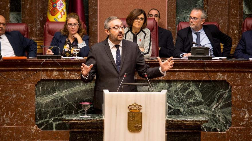 El portavoz del Grupo Parlamentario Popular en la Asamblea Regional, Víctor Martínez