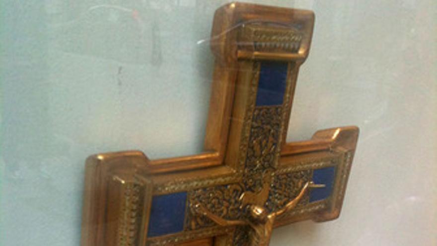 Crucifijo, religión