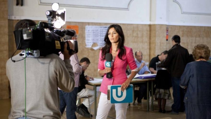 Moyano, durante la cobertura de una jornada electoral
