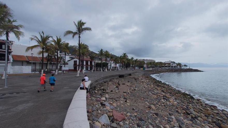 La cuarta depresión en el Atlántico se degrada a onda tropical