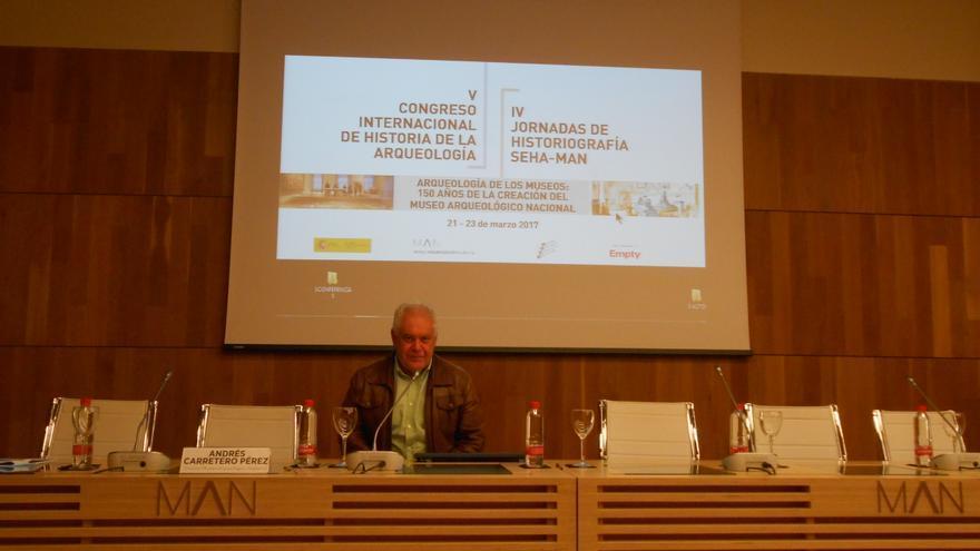 Jorge Pais en el V Congreso Internacional de Historia de la Arqueología.