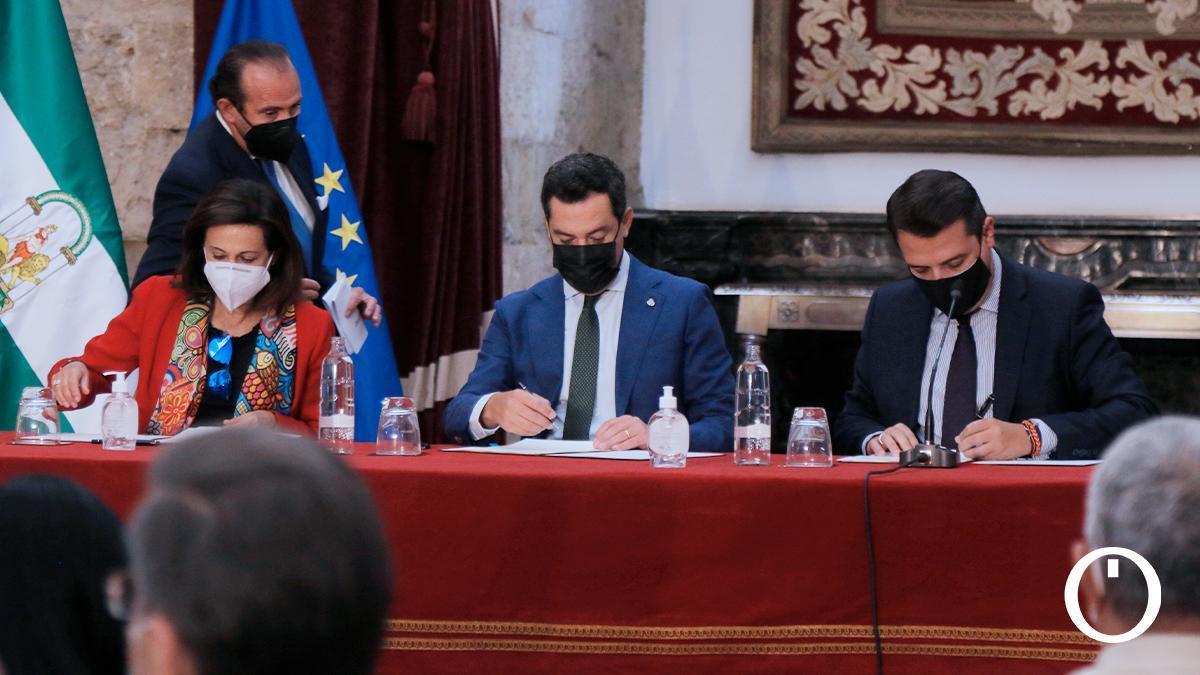 Firma del protocolo de actuación de la base logística 'General de Ejército Javier Varela'