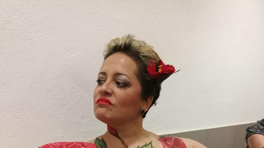 Una mujer de 'Ámate' muestra su pecho sin reconstruir.