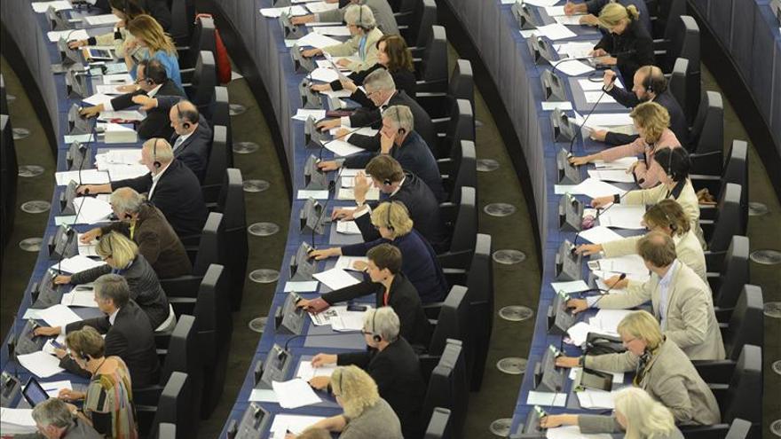 Eurodiputados aprueban una corrección de 2.700 millones en el presupuesto de la UE de 2013