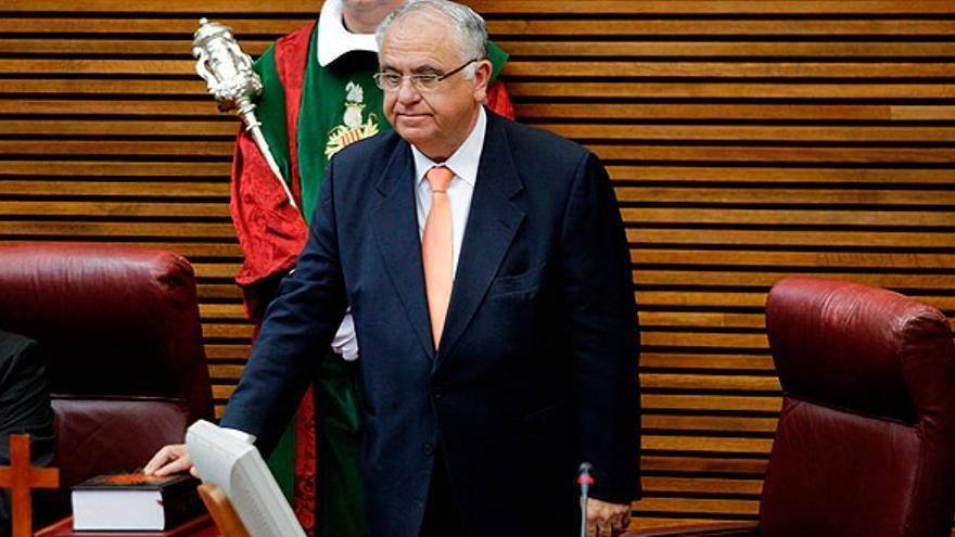 Juan Cotino jura sobre la Biblia su cargo como presidente de las Corts Valencianes