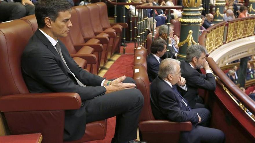 """Sánchez reivindica una """"democracia mejor"""" en nombre del 15M y de sus abuelos"""