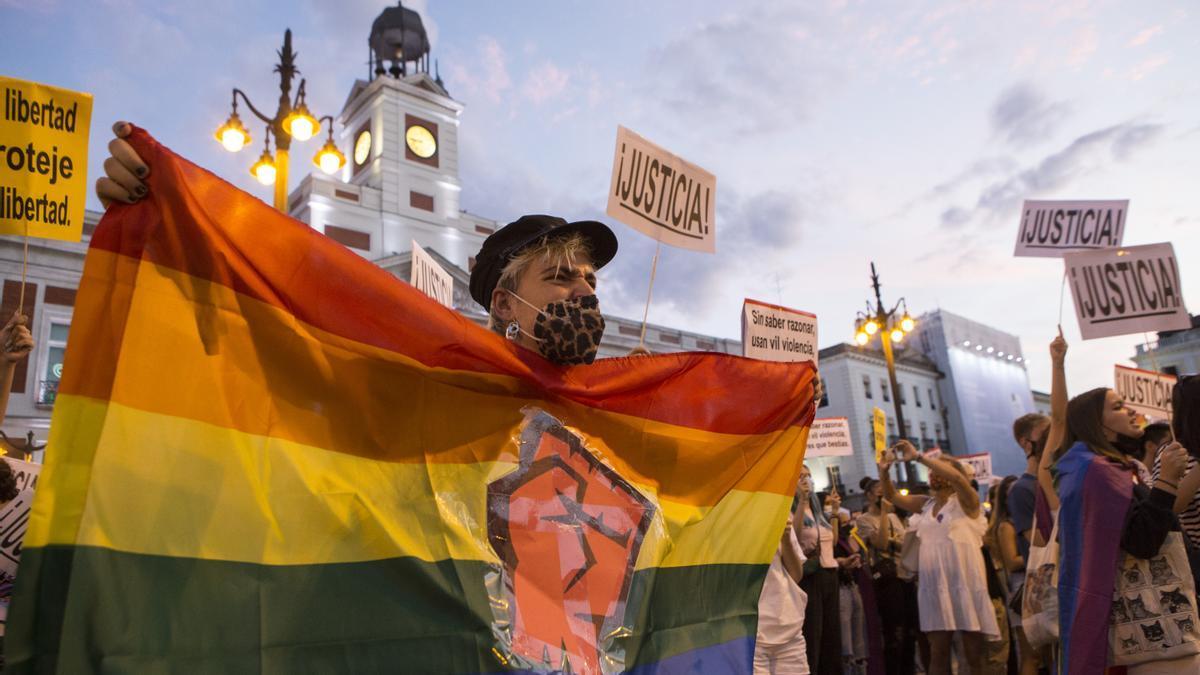 Manifestación convocada en la Puerta del Sol con motivo del aumento de agresiones LGBTfóbicas