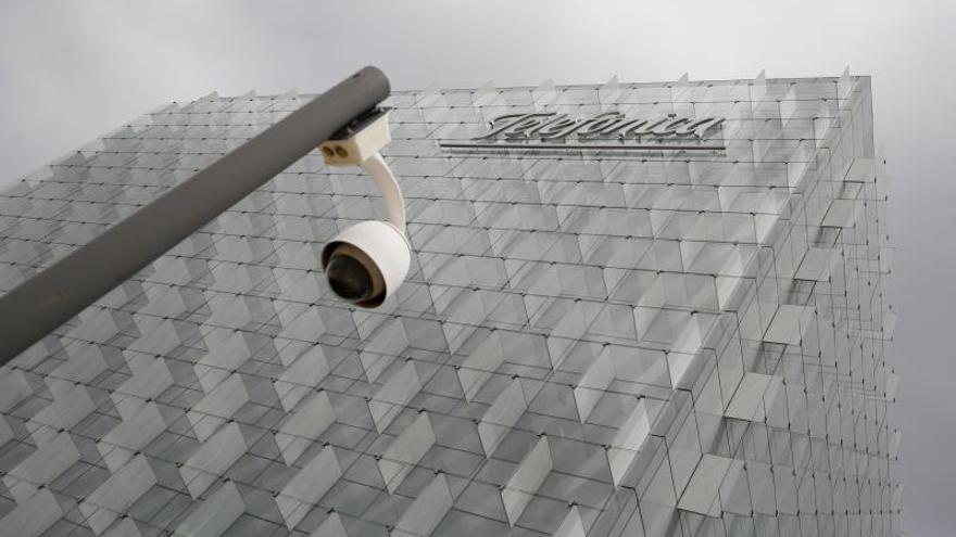 Hacienda devolverá a Telefónica 702 millones por exceso del impuesto de sociedades