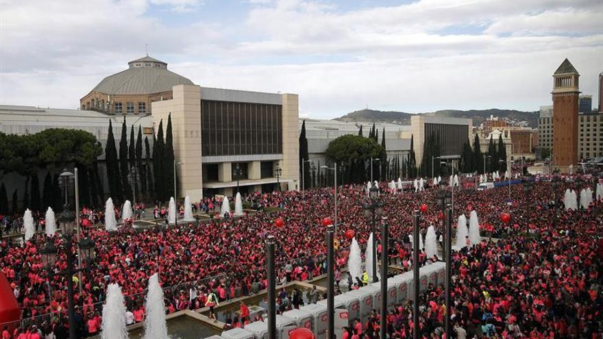 Más de 29.000 mujeres corren en Barcelona contra el cáncer de mama