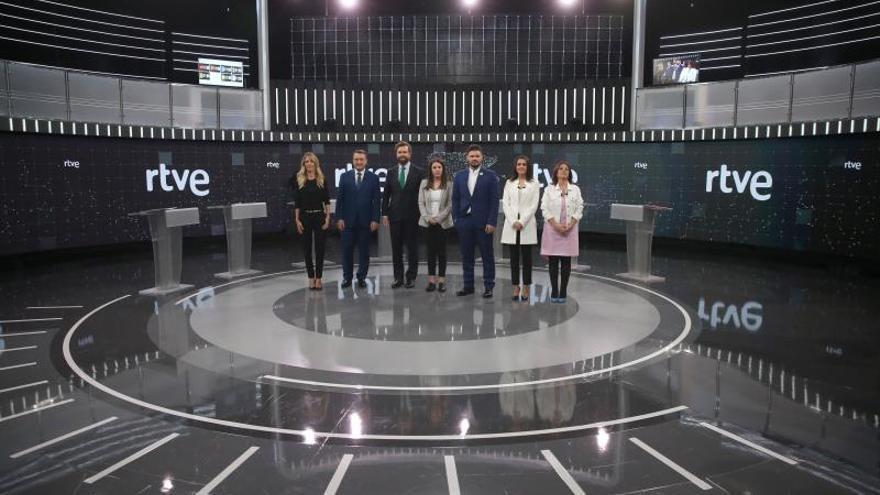 Aitor Esteban negó el saludo a Espinosa de los Monteros durante el debate a siete de este viernes.