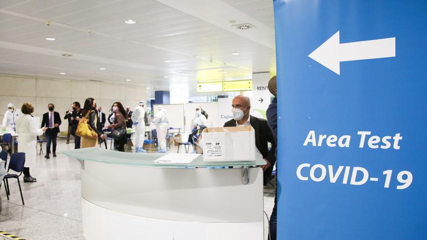 Italia impone test y una cuarantena de 5 días a los viajeros procedentes de países de la UE