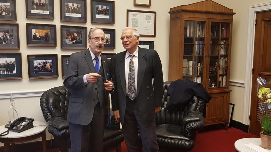 """Borrell analiza con John Bolton cómo afrontar la """"crisis que empeora"""" en Venezuela y la """"inestabilidad"""" en el Magreb"""