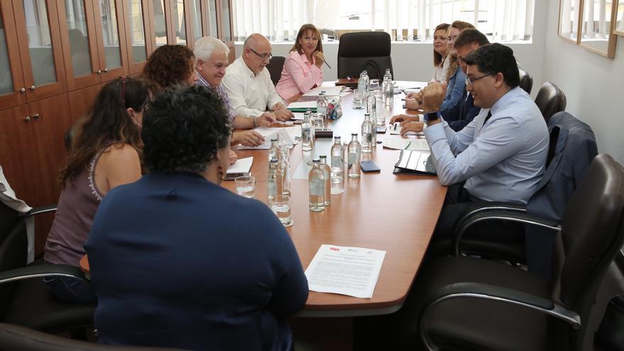 Nueva Canarias, el PSOE y Podemos se reparten las áreas en el Cabildo de Gran Canaria
