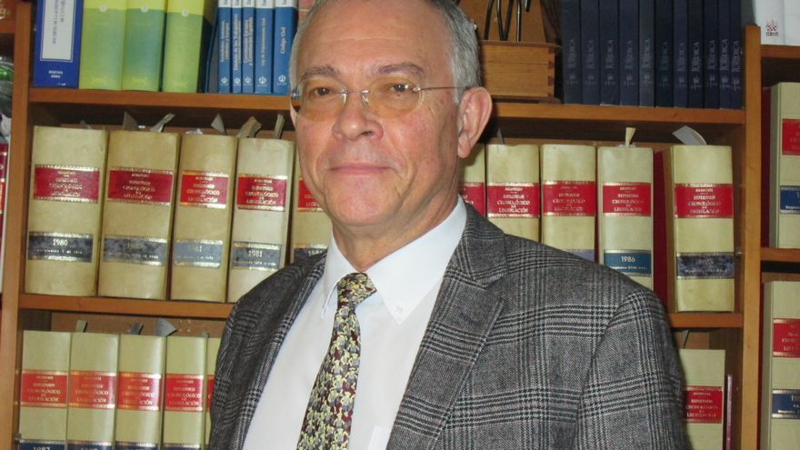 El abogado Acebk Galván lleva 38 años de ejercicio. Foto: LUZ RODRÍGUEZ.