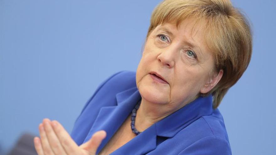 Merkel ratifica la vigencia del Pacto de Estabilidad tras cancelarse las multas a España y Portugal