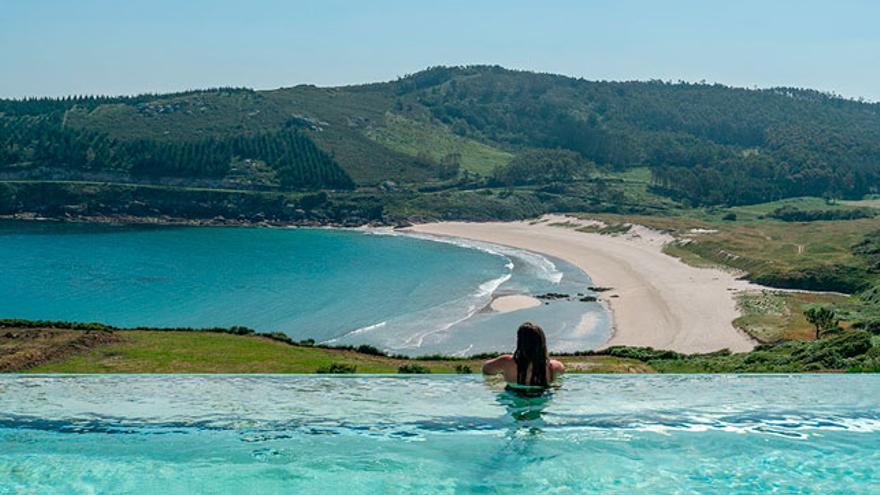 Piscina del Parador de Costa da Morte, en Muxía, A Coruña