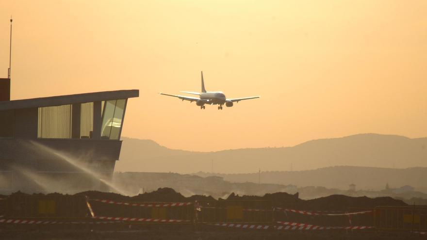 El aeropuerto Federico García Lorca contará con un nuevo vuelo a Nápoles