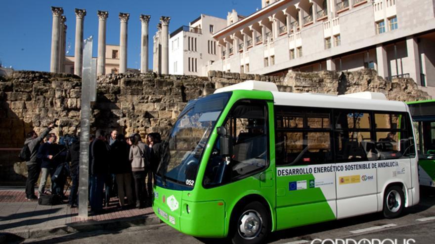 Un microbús de Aucorsa   MADERO CUBERO