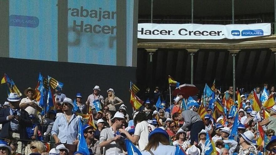 Rajoy, Fabra y Barberá llenan la plaza de toros de Valencia en el mayor mitin de campaña del PP hasta ahora
