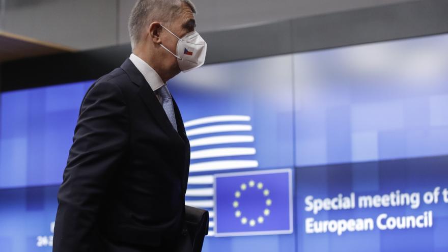 El PE pide que dimita el primer ministro checo por conflicto interés con los fondos de la UE